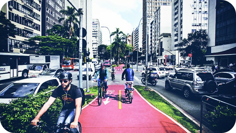 #street  #saopaulo   #brazil  #beaultifulday #bikes  #peoples  #cars  #tree  #photography