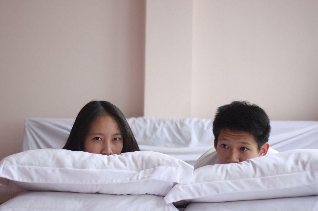 #FreeToEdit @pa #couple #cute #white #bedroom